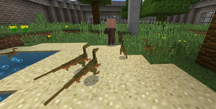 Маленькие динозаврики преследуют жителя