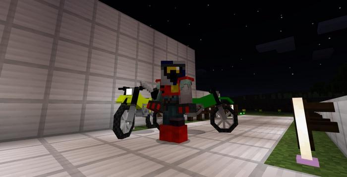Стив рядом с мотоциклами
